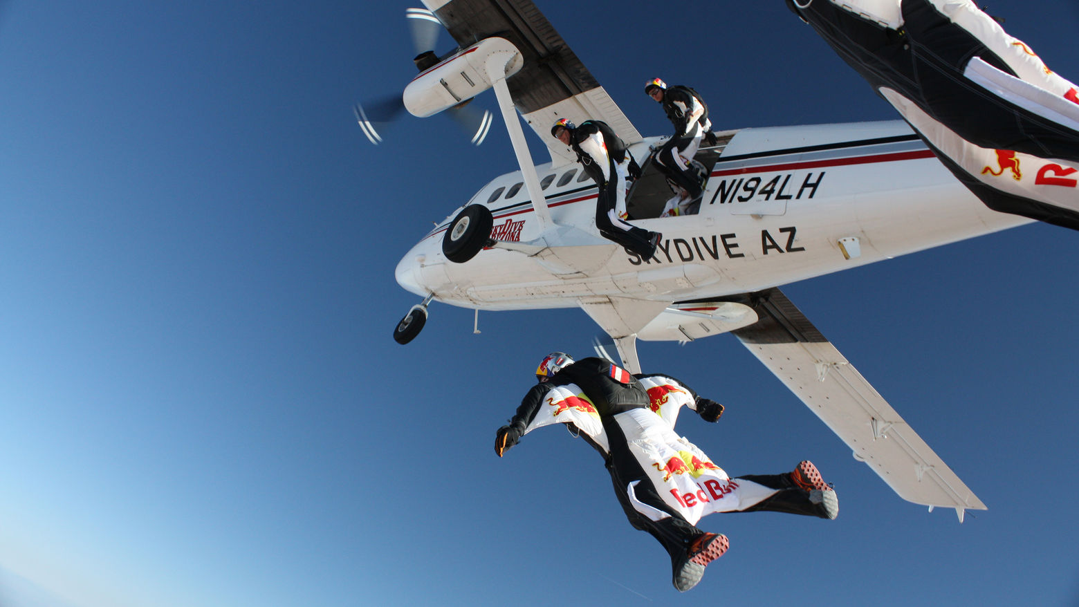 header skydive